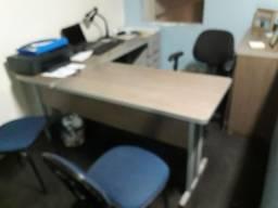 Título do anúncio: Conjunto  mesa e armário para escritório