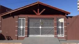 Casa com 3 dormitórios à venda, 110 m² por R$ 200.000 - Novo Mundo - Várzea Grande/MT # IS