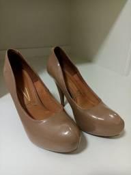 Título do anúncio: Sapato salto número 36
