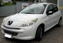 Peugeot 207 - Apenas 62 mil Km - Para pessoas exigentes!