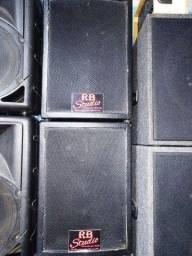 """Título do anúncio: Par de caixas de som 12"""" polegadas"""