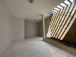 Exclusivo ! Casa para venda com 135 metros quadrados no Poço !!