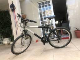 Bike Caloi de  alumínio 21vel aro 26 bem novinha toda revisada sem nada pra fazer