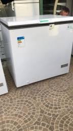 Título do anúncio: Freezer Esmaltec 300L seminovo chame no zap ou ligue não permaneço na conta