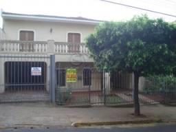 Casa para alugar com 3 dormitórios em Centro, Jaboticabal cod:L4134