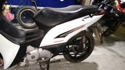 Vendo Honda biz 2015 branco perolizado - 2015