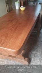 Vende-se mesa de madeira 3.500,00