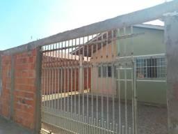Casa murada, aceita carro, Residência Santa Terezinha