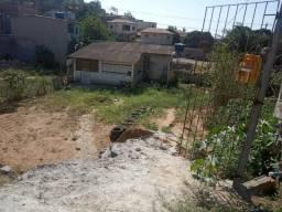 Vendo esta casinha no bairro Lagoa