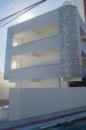 Aluga-se aptos para UMA pessoa de um quarto no Centro de Florianópolis