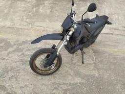Vendo ou troco 200cc - 2007