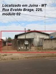 Terreno com 2 casas separadas