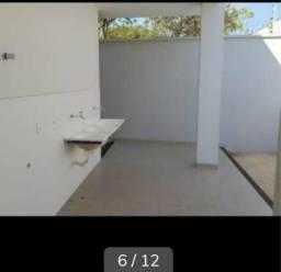 Vende-se casa geminada na 604 norte