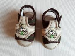 Sandália tamanho 18