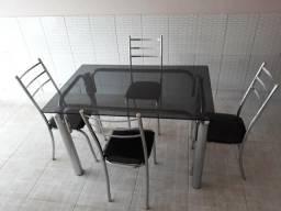 Linda mesa cromada 4 cadeiras (vidro fumê 8mm)