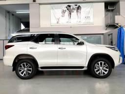 Toyota Hilux Sw4 SRX 7 Lugares 2020 - 2019