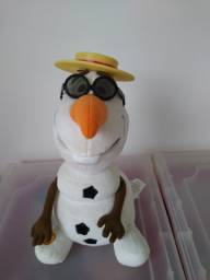 Boneco Olaf de 27cm que se movimenta, fala e canta em inglês