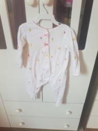 Troco Roupas Carters importadas em roupas de bebe 2 anos