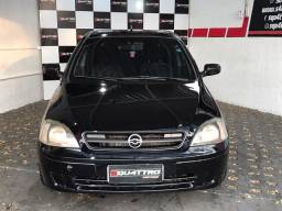 Corsa sedan turbo/financia 100%
