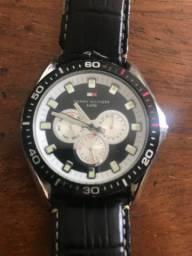 Relógio Tommy Muito novo, trouxe da Austrália, top