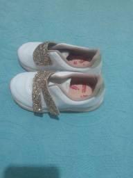 Sapato moleuqinha semi novo