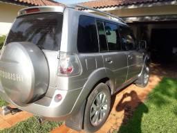 Belíssima Pajero TR4 em perfeita conservação para quem é exigente com veículo