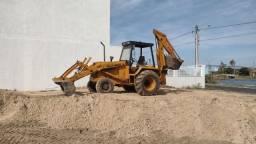 Título do anúncio: Retro escavadeira 580h super 4x4