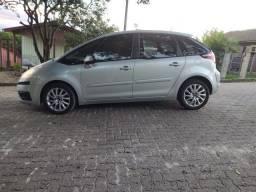 vendo lindo carro, ótimo preço!confortável e completo!!