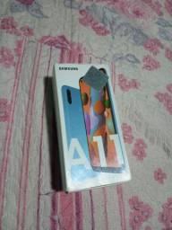 Samsung A11 na caixa