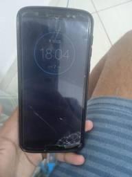 Motorola 6 com película e capinha