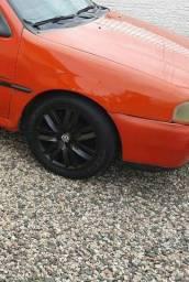 Troco aro liga leve  15 por aro 13 com pneus bons.