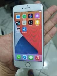Título do anúncio: Vendo iPhone 8 32 gigas R$900,00
