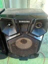 Título do anúncio: Vendo um Som Samsung com pouco tempo de uso, INFELIZMENTE PAROU DE FUNCIONA DO NADA.