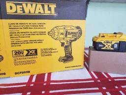 Título do anúncio: Chave de impacto Dewalt DCF899B Bruta + Bateria 5AH
