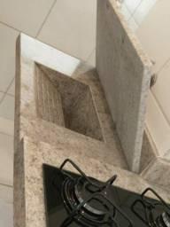 Tudo em mármores e móveis planejados
