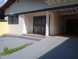 Título do anúncio: Casa  com 4 quartos - Bairro Vila Nova Canaã em Goiânia