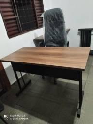 Título do anúncio: mesa 120x60 pé de ferro nova
