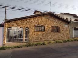 Título do anúncio: LIMEIRA - Casa Padrão - VILA CLAUDIA