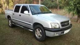 Vende-se Chevrolet S-10 - 2004