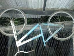 Vende-se quadro de bicicleta mais rodas, usados!