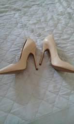 Sapato mude 37 forma pequena serve certo 35