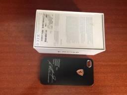 Caixa de Iphone 4 Preto + capa da Ferrari