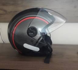 Vendo um capacete original.