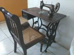 Maquina costura Victoria