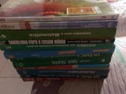 Diversos livros do Ensino Médio