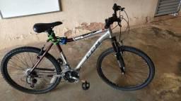 Bicicleta CCM equator