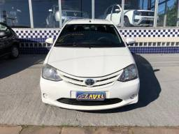 Toyota Etios 1.5 X / 2014 / Branco / Completo - 2014