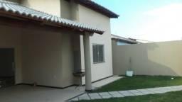 Casa com 03 quartos no Antares