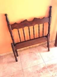 Cama  de solteiro de madeira 200 reais