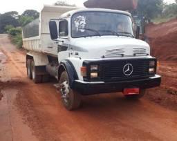 Caminhão Mb1518 caçamba